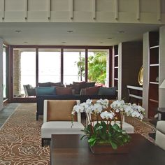 Beautiful home interior with gorgeous Multi-Slide Doors made from luxurious wood. Indoor Outdoor Living, Outdoor Spaces, Outdoor Decor, Sliding Patio Doors, Entry Doors, Beautiful Houses Interior, Beautiful Homes, Swinging Doors, Resort Style