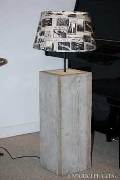 Staande lamp van steigerhout