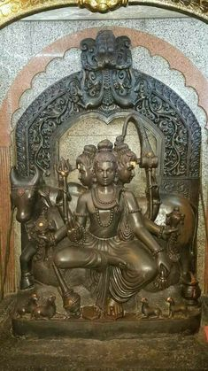Krishna Statue, Krishna Art, Asian Sculptures, Hindu Statues, Lord Vishnu Wallpapers, Matchbox Art, India Art, Hindu Deities, Indian Gods