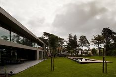 Image 1 of 25 from gallery of House In Estoril / Frederico Valsassina Arquitectos. Photograph by FG+SG – Fotografia de Arquitectura