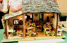 Miniature Flower Shop~exhibited by Leslie Nelson at the Spring 2009 Seattle Dollhouse Show