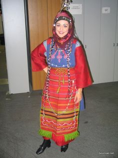 Greek Traditional Dress, Traditional Outfits, Alexander The Great, Greek Clothing, Macedonia, Ancient Greece, Model Photos, Headpiece, Beautiful People