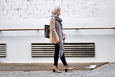 Acne Studios Boots, Bag LoupNoir and grey hair by Blogger modelovers