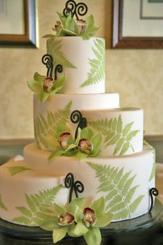 I like the design of the cake but def not the colors and decorations. Pretty Cakes, Beautiful Cakes, Amazing Cakes, Creative Wedding Cakes, Wedding Cake Photos, Cake Wedding, Cupcakes, Cupcake Cakes, Cake Pops