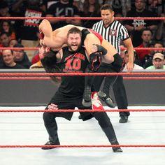 Neville vs. Kevin Owens: Fotos