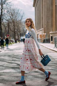 Best Street Style at Paris Fashion Week Autumn 2020 Fashion Week Paris, Fashion 2020, London Fashion, Stockholm Fashion Week, Stockholm Street Style, Winter Fashion, Fall Fashion Week, Copenhagen Fashion Week, 2000s Fashion
