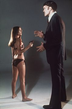 The Spy Who Loved Me is the tenth film in the James Bond series to be produced by Eon Productions, and the third to star Roger Moore as secret agent James Bond. Barbara Bach and Curt Jürgens co-star. James Bond Girls, James Bond Movies, James Bond Style, James Bond Theme, Roger Moore, Le Chihuahua, Richard Kiel, Bond Series, Spy Who Loved Me