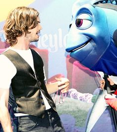 Matthew Gray Gubler at Disney... ugh... dying. // i would have the exact same expression on my face that Dory does if i ever met him. lol