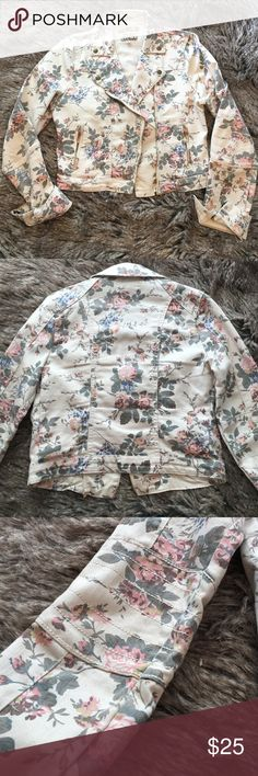 "Floral moto jacket Cream moto jacket. Floral. Zipper closure. Stretchy. Some discoloring, see photo. Length: 18"". Bust: 18"". Sleeve: 25"". Great condition. Hot Kiss Jackets & Coats Jean Jackets"
