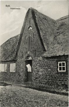 Friesenhaus auf der Insel Sylt, ca. 1920, Photographie u. Verlag: Bernhard Lassen, Westerland-Sylt