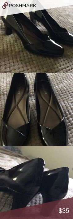 "Easy Spirit Black Pumps Gorgeous Easy Spirit Black Pumps. Like new (only wore one time). 2.5 "" heel. Very classy and comfortable. Beautiful shoes! Size 9M. Easy Spirit Shoes Heels"