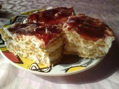 Κοινοποιήστε στο Facebook Υλικά (υλικά για 17 μερίδες) 1 κιλό γιαούρτι στραγγιστό 500γρ. φυτική σαντιγί 1 1/2 φλυτζάνα άχνη ζάχαρη 2 πακέτα πταίει μπερ (περίπου) μαρμελάδα βύσσινο η κεράσι (ένα βαζάκι) Εκτέλεση Χτυπάμε πρώτα τη σαντιγί με την άχνη μόλις...