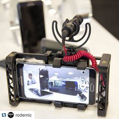MOBILE REBELS - We can't wait to try new & . thank you for sharing! Giving some love to our Android users the & work perfectly with the latest devices from Samsung like the Galaxy Note 5 shown here in the case by beastgrip_pro Camera Rig, Iphone Camera, Camera Gear, Photography Camera, Mobile Photography, Photography Tips, Film App, Digital River, Photo Editor Android