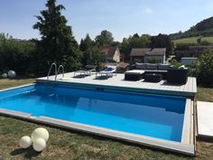 DIY pool with sliding deck: what a brilliant idea! At bathing pool Backyard Pool Designs, Small Backyard Pools, Swimming Pool Designs, Swimming Pools, Pool Komplettset, Diy Pool, Pool Decks, Riviera Pool, Pool Heater