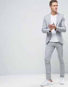The best luxury fashion brands clothing accessories and much more that you can buy online Blazer Outfits Men, Mens Fashion Blazer, Stylish Men, Men Casual, Men's Business Outfits, Mens Clothing Styles, Clothing Accessories, Skinny Suits, Herren Outfit