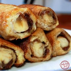 nutella and banana french toast roll ups. (Sub PB for Nutella in some? French Toast Roll Ups, Nutella French Toast, Banana French Toast, Banana Roll, Breakfast Dishes, Breakfast Time, Breakfast Recipes, Breakfast Dessert, Bon Dessert