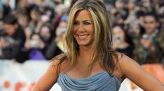 Exactly What Jennifer Aniston Eats Each Day to Stay Fit