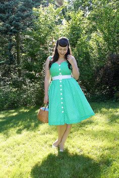 the soubrette brunette: It's not easy being green 1950s Fashion, Vintage Fashion, Party Mix, Pin Up Style, Pin Up Girls, Vintage Outfits, Cute Outfits, Style Inspiration, Summer Dresses