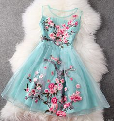 Mint floral sleeveless mini lace dress LOVE,,, Looks like the dress. did you buy it? Pretty Outfits, Pretty Dresses, Beautiful Dresses, Gorgeous Dress, Awesome Dresses, Fabulous Dresses, Beautiful Life, Simply Beautiful, Beautiful Things
