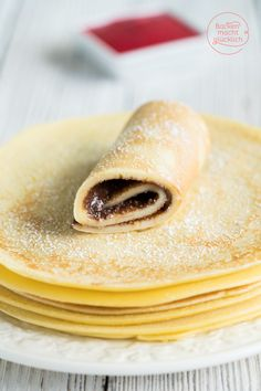 The best pancake recipe Baking makes you happy - These simple but incredibly delicious pancakes are always well received! Pancakes are generally a f - Easy Cake Recipes, Easy Healthy Recipes, Baking Recipes, Easy Meals, Pancake Healthy, Best Pancake Recipe, Tasty Pancakes, Recipe For 4, Basic Recipe