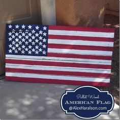 Get Patriot with this DIY Pallet Wood American Flag