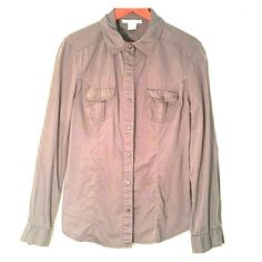 Slate grey utility shirt Slate grey utility shirt has snap closures on wrists, pockets, and front.  Fitted and falls to mid hip.  Can be worn by itself or layered, very versatile color and not heavy. Charlotte Russe Tops Button Down Shirts