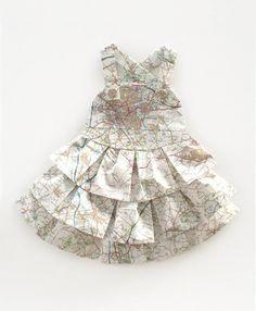 little paper map dresses, Les robes géographiques, from London-based artist Elisabeth Lecourt.