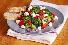Mediterraner Brokkoli Salat