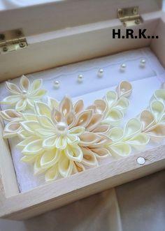リングピロー、リングケース受注製作 Ring Pillow, Fabric Flowers, Wedding Gifts, Diy And Crafts, Ribbon, Projects, Home Decor, Ideas, Cushion Wedding Bands