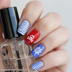 Nail art uñas nauticas - Sally Hansen Pacific Blue http://cajondelosesmaltes.blogspot.com/2014/03/nail-art-unas-nauticas-sally-hansen.html