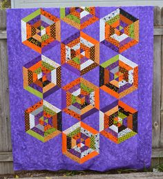 Halloween spider web quilt by Porch Swing Quilts: Friday Finish
