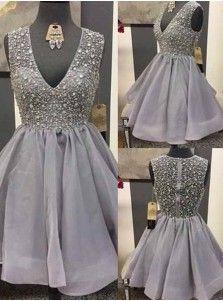 Glamorous V-neck Sleeveless Short Grey Organza Homecoming Dress with Beading