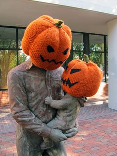 Halloween yarn bomb