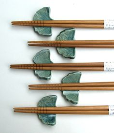Handmade Ceramic Chopstick Rests With by PotterybySumiko on Etsy leuk idee