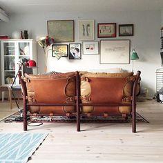 #Repost @lamomesoldfashioned ・・・ Livingroom. #arnenorell #scandinavian #scandinavianhome #scandinaviandesign #scandinaviandecor #jielde #plazainteriör