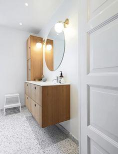 Inspiration: Limfjordsvej in Vanløse, Denmark Reform's Basis bathroom design in natural oak with a countertop in white GetaCore. It's an IKEA hack. Bathroom Mirror Design, Bathroom Wallpaper, Bathroom Colors, Bathroom Sets, Vanity Bathroom, Small Bathroom, Ikea Hack Bathroom, Bathroom Furniture, Craftsman Bathroom