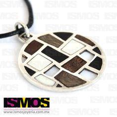 ISMOS Joyería: dije de plata, madera y hueso // ISMOS Jewelry: silver, wood and bone pendant