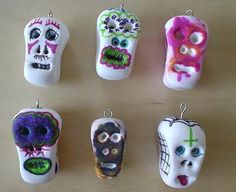Painted calaveras that you can then make into jewelry!