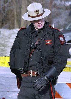 Cop Uniform, Police Uniforms, Sports Uniforms, Team Uniforms, Men In Uniform, Police Officer, Sheriff, Sexy Military Men, Military Police