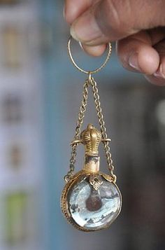 Vintage-Penny-Small-Brass-amp-Glass-Victorian-Glass-Perfume-Bottle