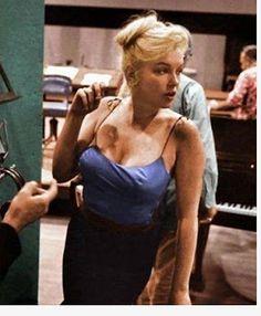 Timeline Photos - Marilyn Monroe Emlékoldal/Keep her in mind.