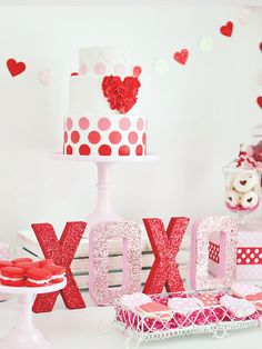 Kisses & Cupcakes Kids Valentines Day Party, Love, Food, Valentine, Wedding, Hochzeit, Valentinstag, Liebe, heart shaped food, Herz