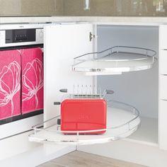 Kulmakaappimekanismien ehdotonta aatelia! Molempiin suuntiin vaimennus ja portaaton korkeuden säätö. Valittavissa oven kätisyys sekä useita mittoja. #slideout #kulmakaappi #keittiö #kitchen #kök #gripshop Kitchen, Cooking, Kitchens, Cuisine, Cucina