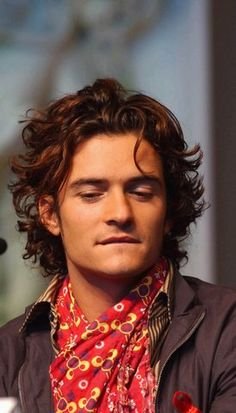 Photo by Mary Ann Dillon Troy Movie, Orlando Bloom Legolas, Good Looking Actors, Attractive People, Grunge Hair, Pirates Of The Caribbean, Hollywood Celebrities, Thing 1, Beautiful Boys