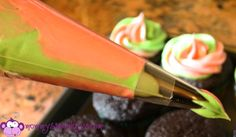 How to do dual colored cupcake icing