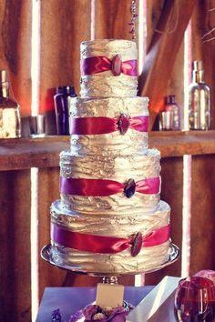 Pièce montée 2017  aime le glaçage sur ce gâteau!