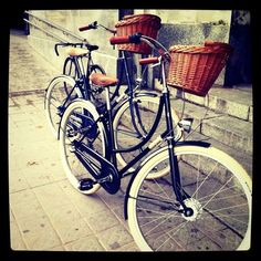 Creme Cycles – why oh why aren't these available in the US? Guess I'll just have to deal with pretty pics.