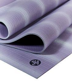 Manduka Yogamatten - Beste Qualität und rutschfest. #yogamatten #yoga #matte #yogamat #manduka Textile Industry, Yoga Bag, Yoga Accessories, Sport, Good Grips, Midnight Blue, Fall, Winter, Autumn