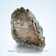 Smoky Quartz  Galenstock, Furka, Kanton Uri, Switzerland  10.3 x 7 x 4.5 cm  IN THE CURRENT BLUEMOUNTAINS AUCTION ON E-ROCKS:  https://e-rocks.com/item/bmm595304/smoky-quartz?sid=95a720cb35ada0bc69dca35ec6551564  #smoky quartz #galenstock #furka #kanton uri #switzerland   #gems #minerals #rocks #crystal #crystals #nature #mineralspecimen #mineralspecimens #specimen #crystalhealing #mineralogy #geology #bluemountains #beautiful #colorful #luxury #fineminerals