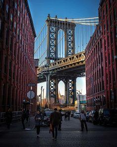Manhattan Bridge New York USA    Photo @guksergey  #manhattan #manhattanbridge #bridge #manhattannewyork #newyork #usa #unitedstatesofamerica #amazingdestination #amazingworldtours #amazinworld #city #cityscape #exploretheworld #exploretheglobe #traveltheworld #travel Manhattan Bridge, Manhattan New York, Brooklyn Bridge, George Washington Bridge, Amazing Destinations, Tours, Explore, Usa, City
